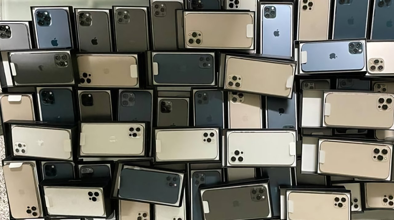 India iPhone smugglers busted at airport with $135,000 in merchandise   AppleInsider