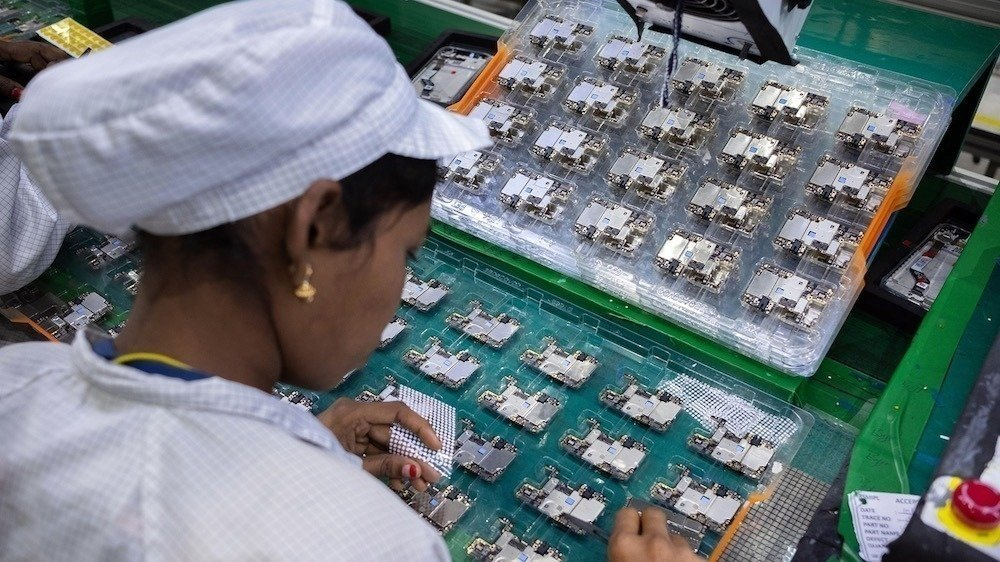 Vietnam asks Apple suppliers to secure COVID-19 vaccines for workers   AppleInsider